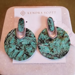 Kendra Scott drops